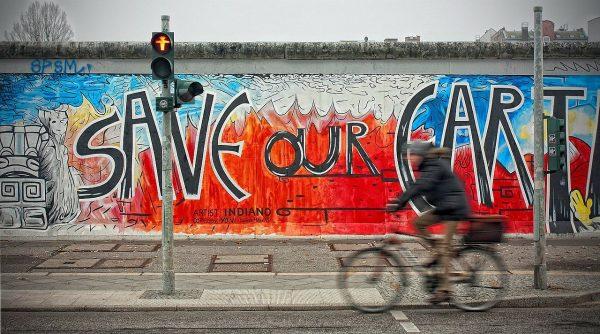 Avio karte Beograd Berlin berlinski zid grafiti