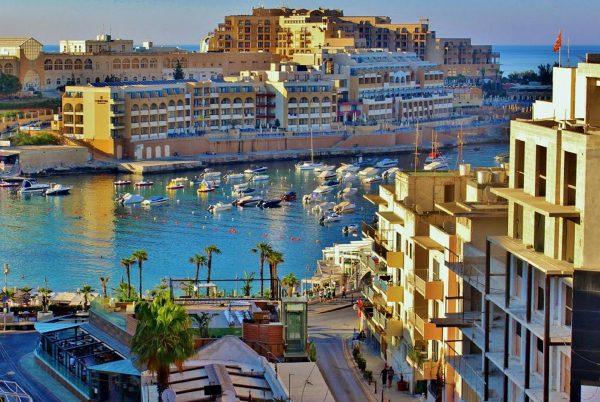 Avio karte Nis Malta