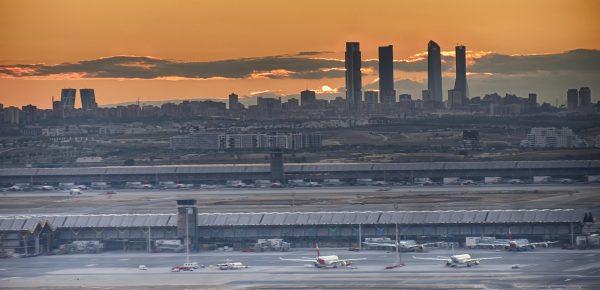 Avio karte Beograd Madrid aerodrom panorama sumrak